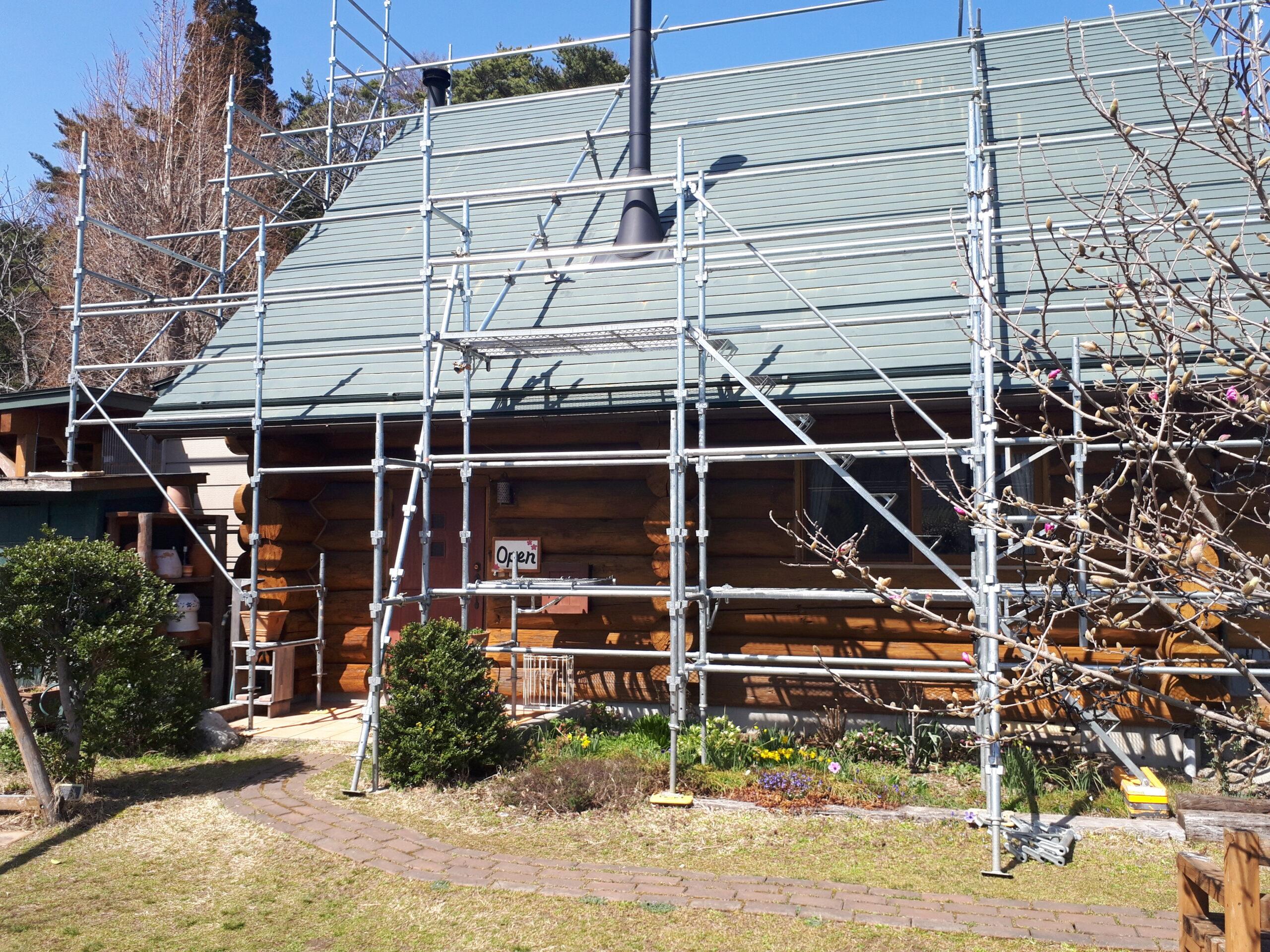 ハンドカットログハウス塗装工事開始